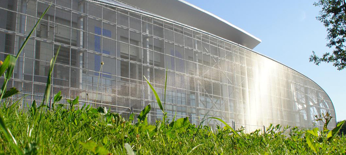How Architectural Mesh Is Used in Sports Facilities