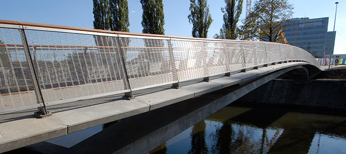How Architectural Wire Mesh Is Used For Balustrade Railing